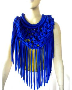 Macrame scarf with tassels